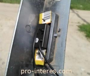 Камера установлена в накладку