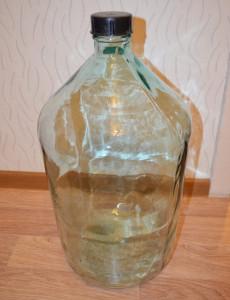 Чистая 20 литровая бутыль