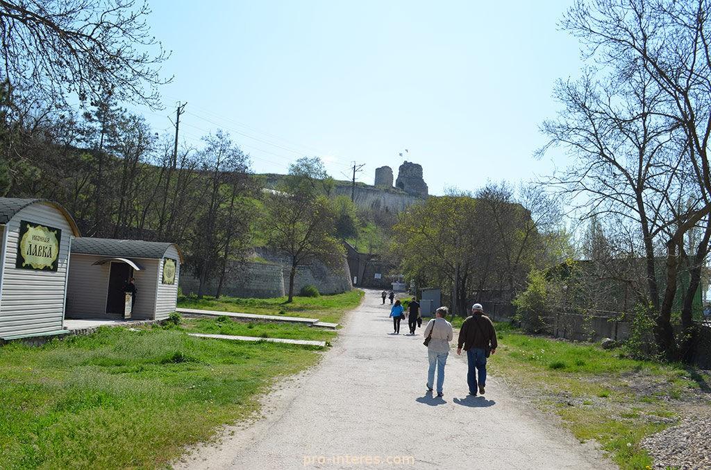 Дорога к Инкерманскому мужскому монастырю