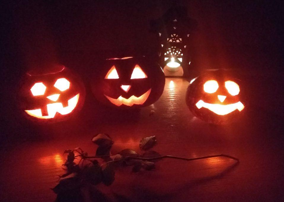Фонари Джека из тыкв на Хэллоуин