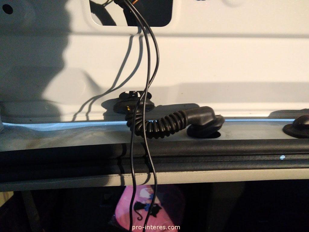 Провода камеры заднего вида Outlander