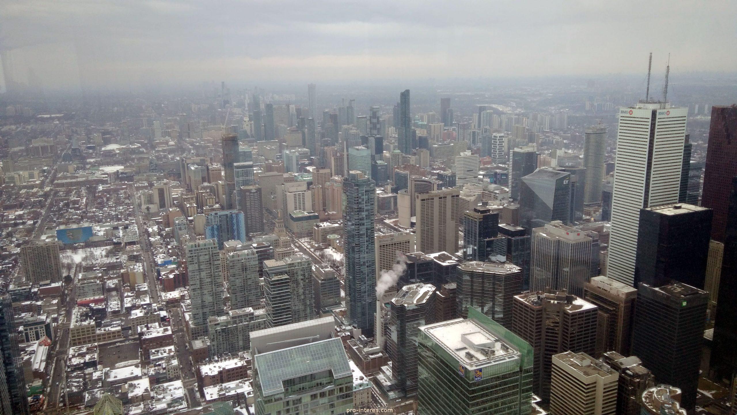 Вид со смотровой площадки CN Tower